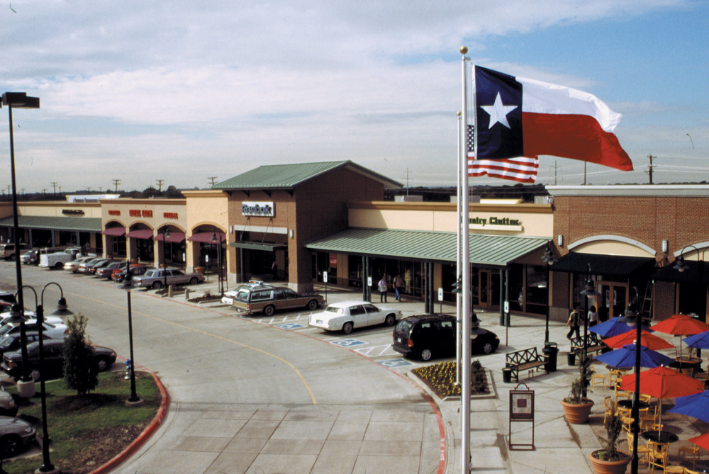 Jul 10,  · We stay in Allen every year and we stay at the outlets so we can do some shopping. It's much better now they have expanded and there are a lot more shops and food choices - 4/4().